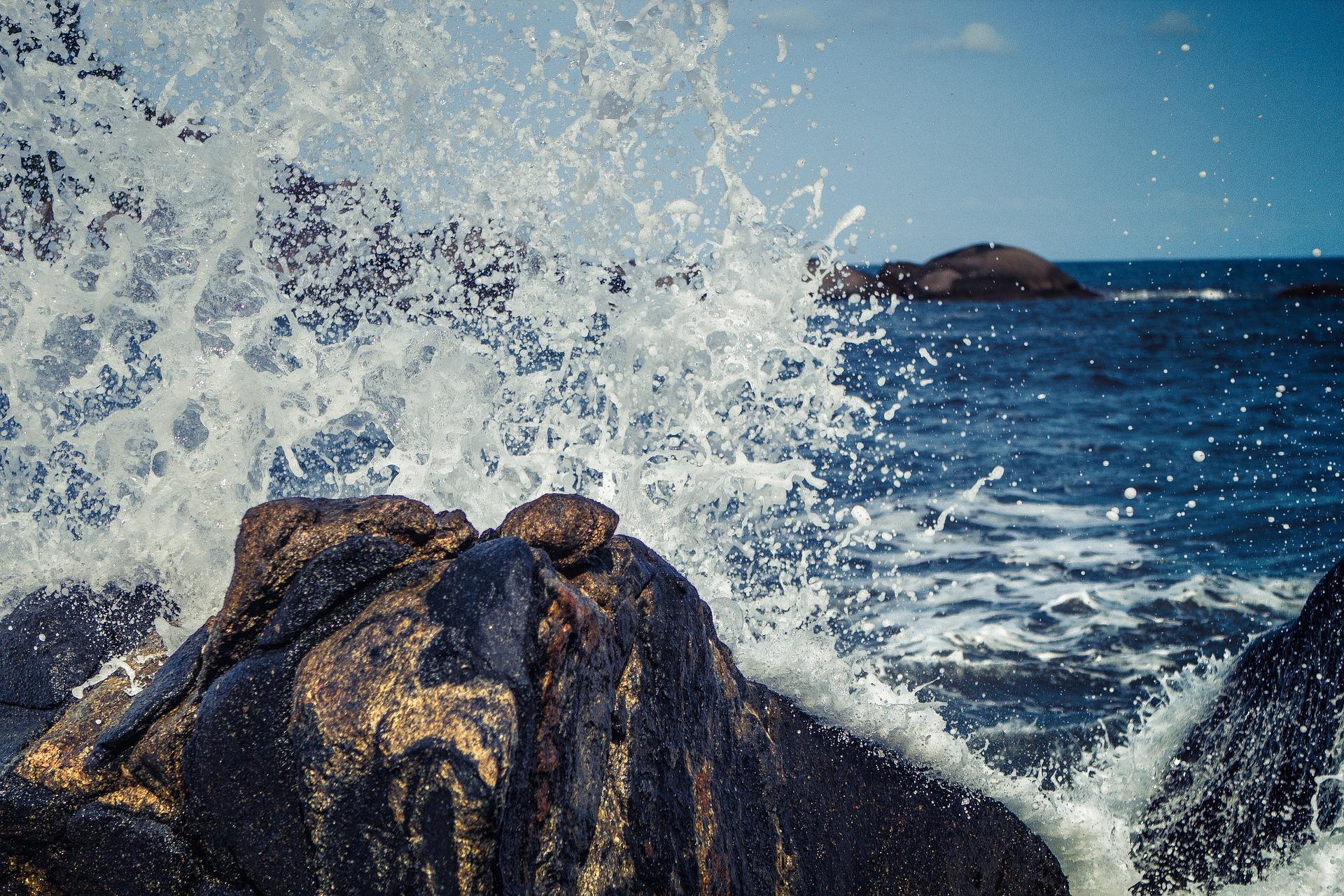 waves-768777_1920